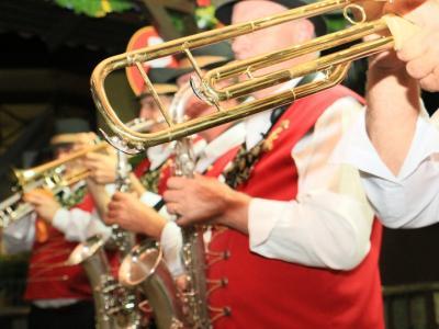 Porto Alegre tem preview da Oktoberfest de Igrejinha neste domingo (30) no Chalé da Praça XV
