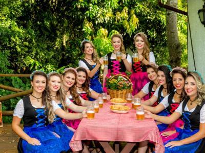 Amifest divulga fotos oficiais das candidatas a Soberanas da 33ª Oktober de Igrejinha