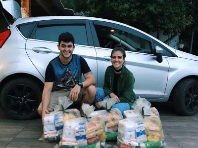 Vitrine do bem: primeira entrega de cestas básicas a famílias carentes é realizada pelo grupo Bem Corrente