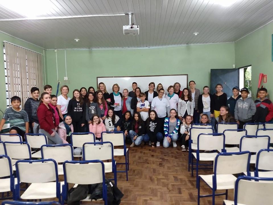 SOCIALIZAÇÃO: AFAH realiza bate-papo com alunos da escola Figueiras