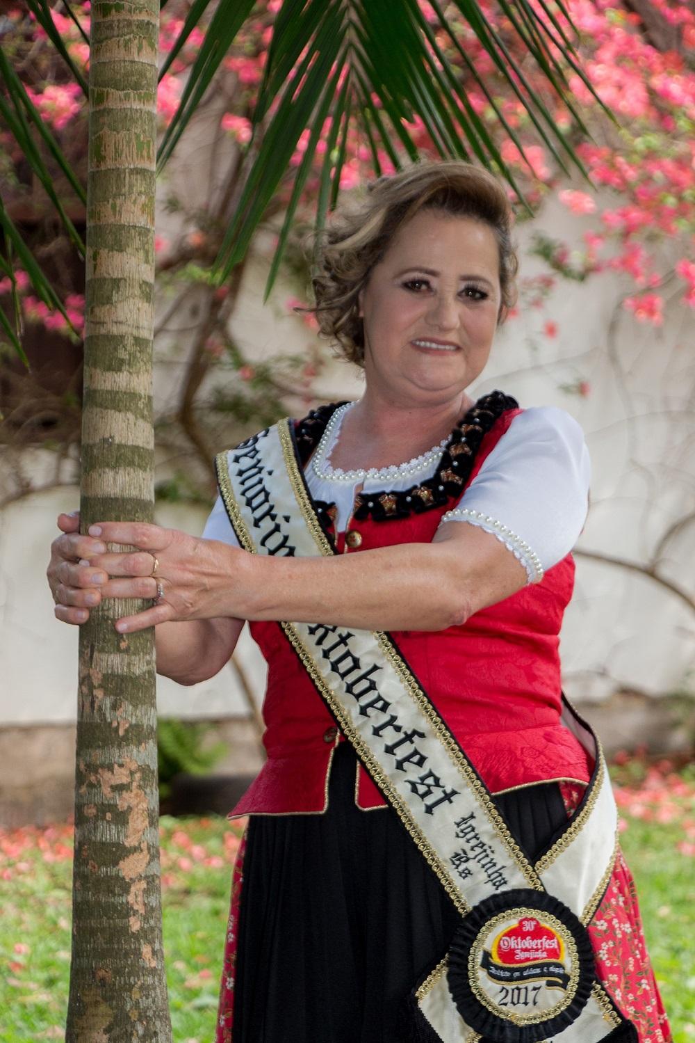 Oktoberfest de Igrejinha promove escolha da Seniorin