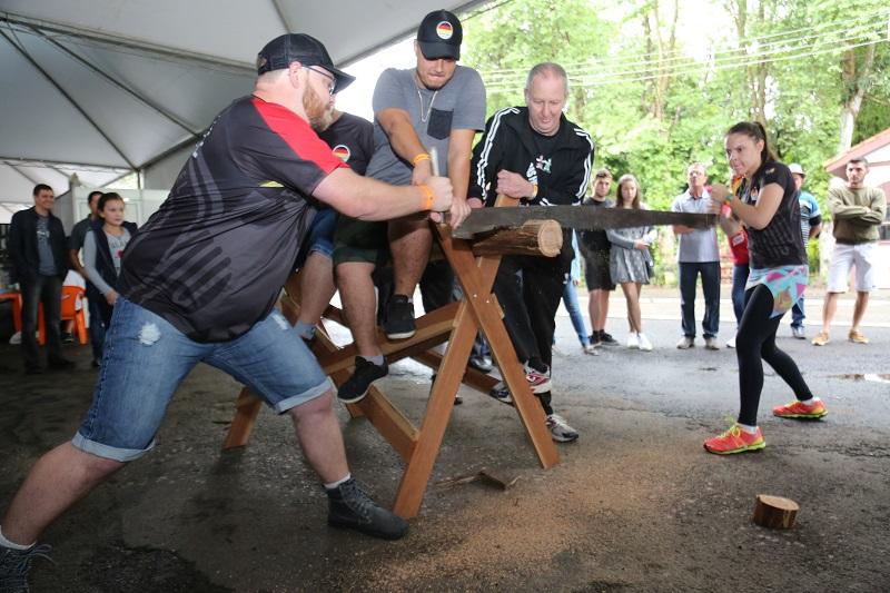 Chuva de sábado não desanimou o público da Oktoberfest de Igrejinha