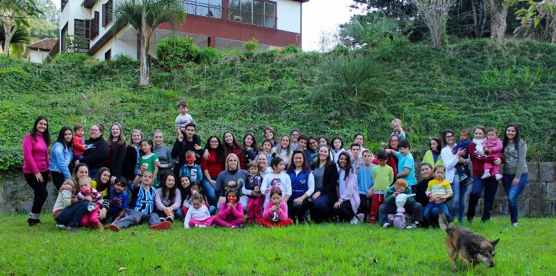 SOCIALIZAÇÃO: Instituto Olívia comemora 80 anos com ação social no Instituto Santíssima Trindade