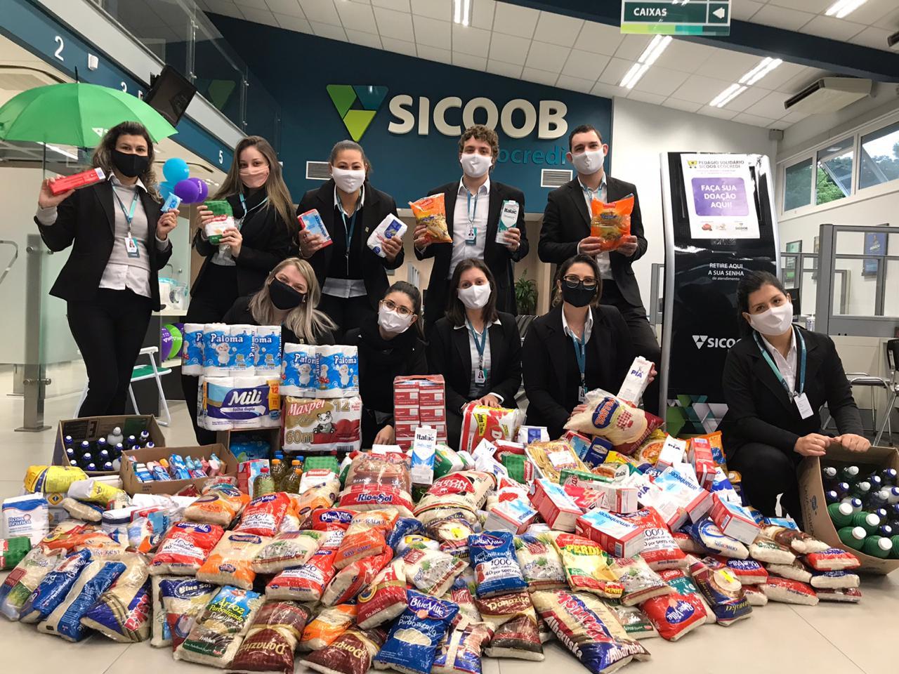 Vitrine do Bem: Pedágio Solidário do Sicoob arrecadou 1,5 tonelada de doações