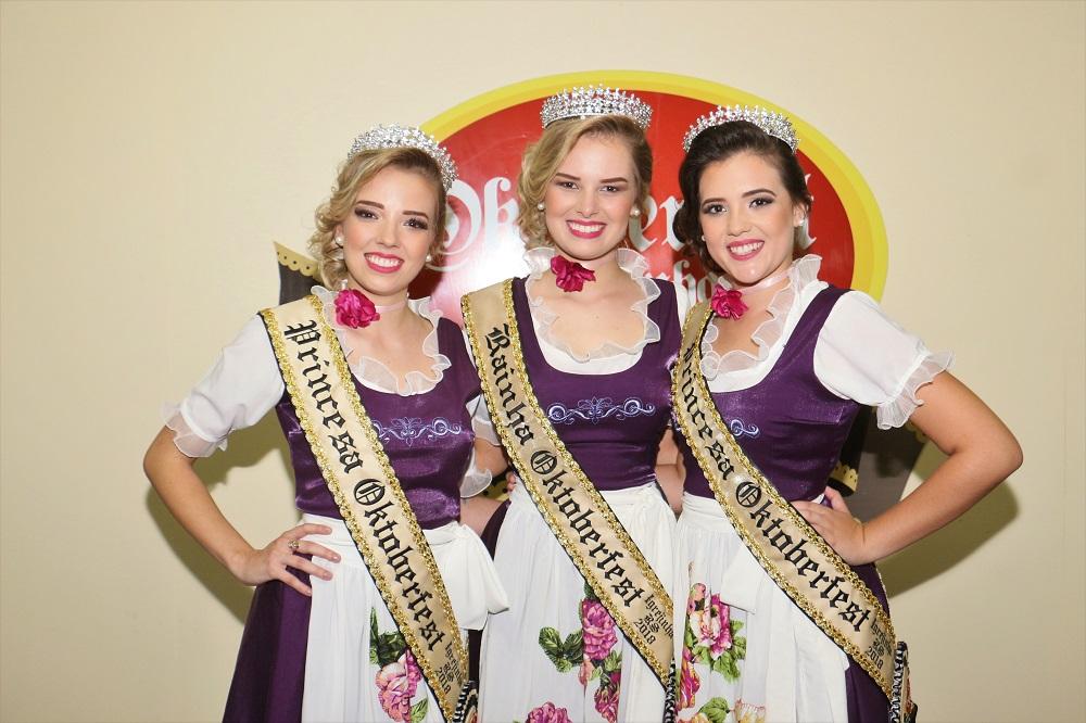 Oktoberfest de Igrejinha escolheu rainha e princesas em evento com emoção e história