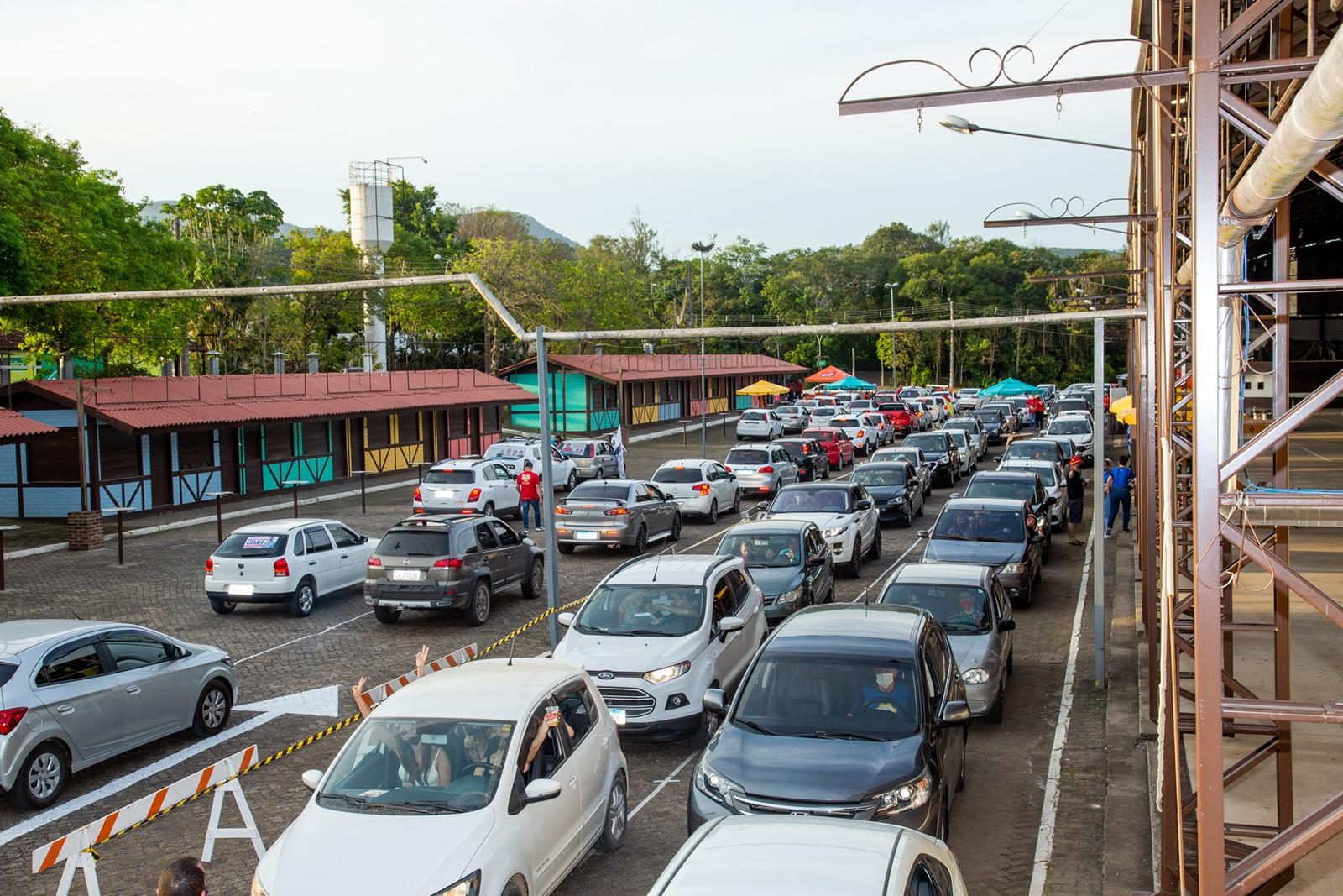 Oktober em Casa recebe mais de mil carros e comemora 40 mil visualizações em live